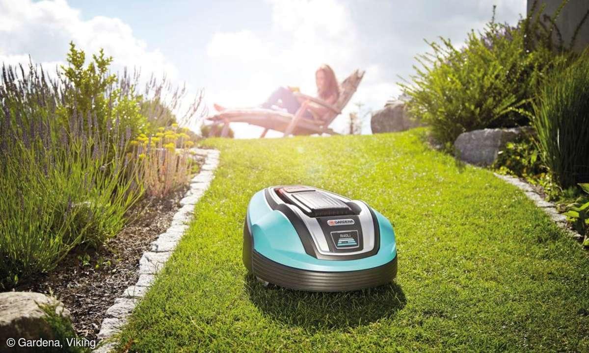 Wer dem stressigen Rasenmähen entgehen will, kann sich durch smarte Roboter entlasten. Wir zeigen Ihnen, wie gut solche Gadgets wirklich sind.