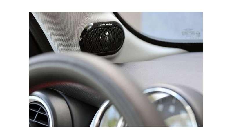 Small Wonder: Mini Cooper S mit Harman/Kardon-HiFi-System - connect