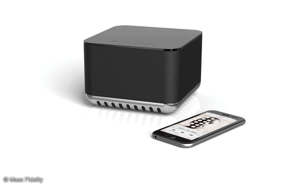 Mass Fidelity The Core/Core Sub mit Smartphone