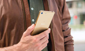Sony Xperia M5 in gold