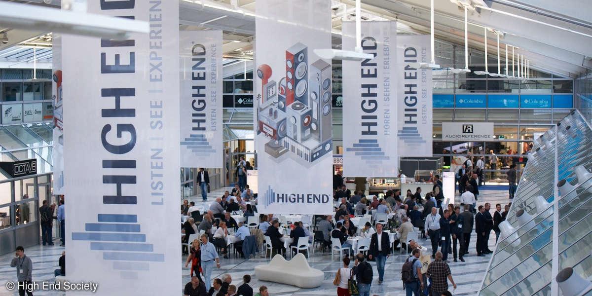 High End 2015 Atrium