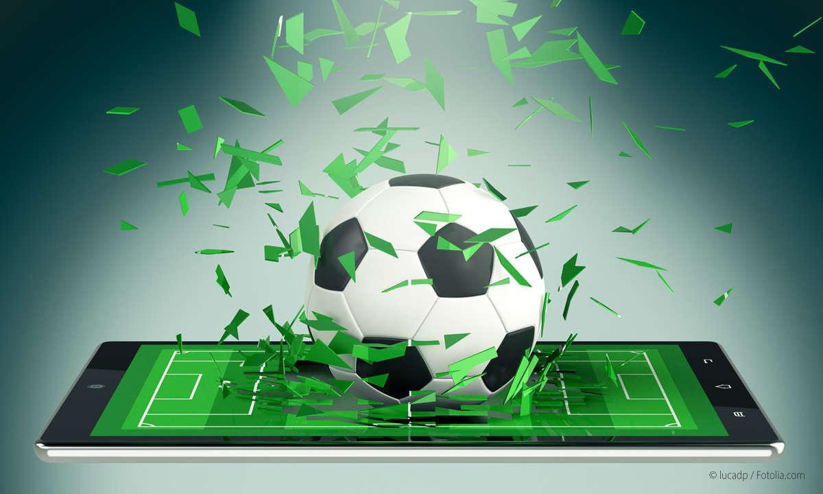 Smartphone mit Fußball