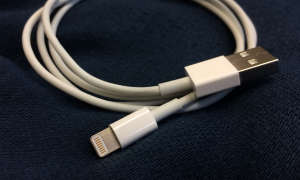 Das Original-Apple-Lightning-USB-Kabel