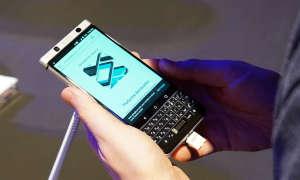 MWC 2017: Blackberry KeyOne