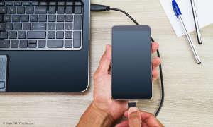 Smartphone per USB an PC angeschlossen