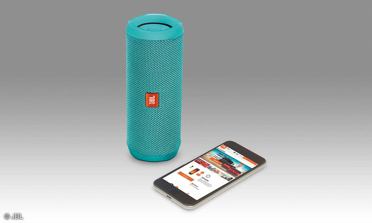 JBL Flip 4 mit Smartphone