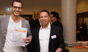 Der Gewinner des 1. Boostivals, Viktor ter Smitten, CEO des Unternehmens SONAH (links), mi inQventures-Geschäftsführer Frank Reinecke
