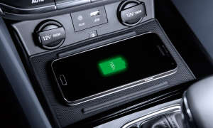 Hyundai Ioniq Wireless-Charging