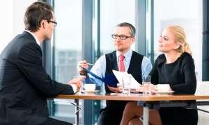Büro Verhandlung Chef Mitarbeiter