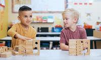 SumBlox Kinder beim Spielen