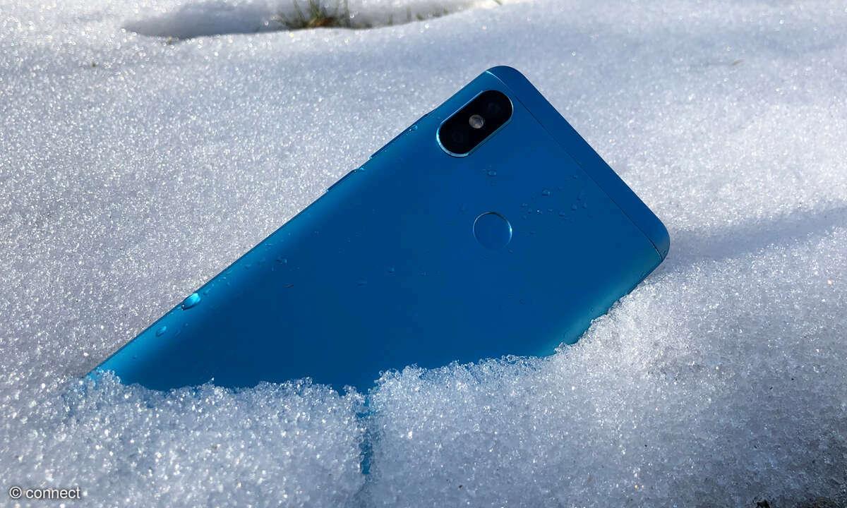 Smartphone im Schnee