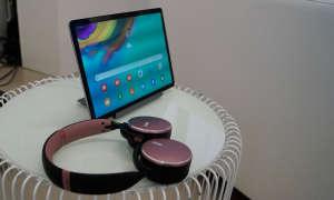 Samsung Galaxy Tab S5e und AKG Y500