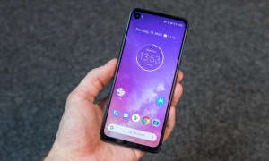 Motorola One Vision Display