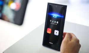 Oppo Prototyp mit Kamera unter dem Display