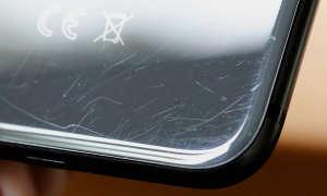 Smartphone-Rückseite mit Kratzer