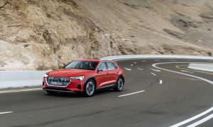 Audi e-tron fahrend