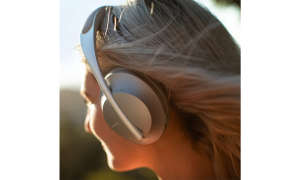Bose Noise Cancelling Headphones 700 im Test - Silber