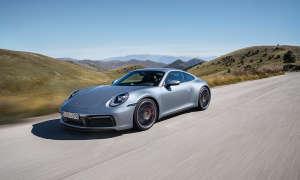Porsche 911 Carrera S auf Landstraße