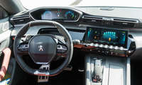 Connectivity Test hybride Mittelklasse 2021 Peugeot 508 Cockpit
