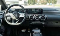 Connectivity Test hybride Mittelklasse 2021 Mercedes CLA Cockpit