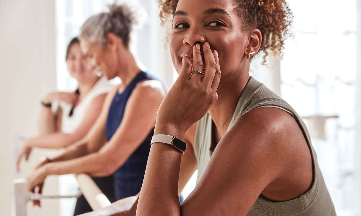 Fitbit_Luxe_Lifestyle_Barre