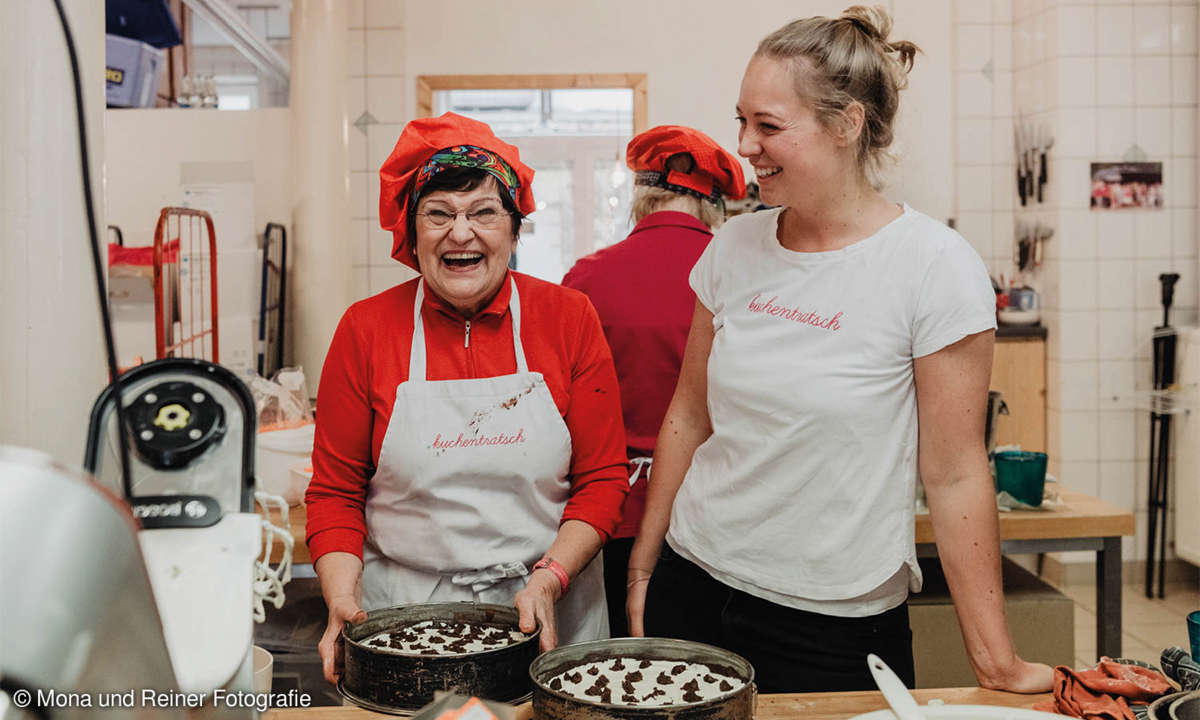 Oma Anni backt seit dem Beginn 2014 in Katharina Mayers sozialem Start-up Kuchentratsch