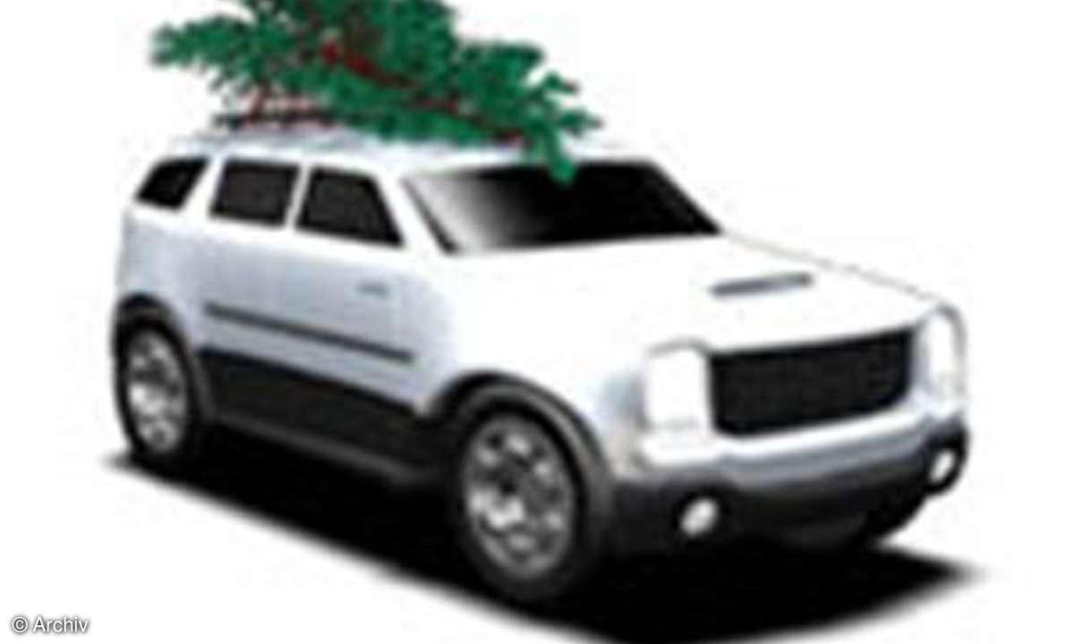SUV mit Baum