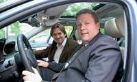 BMW-Projektleiter Andreas Winckler und naviconnect-Redakteur Oliver Stauch