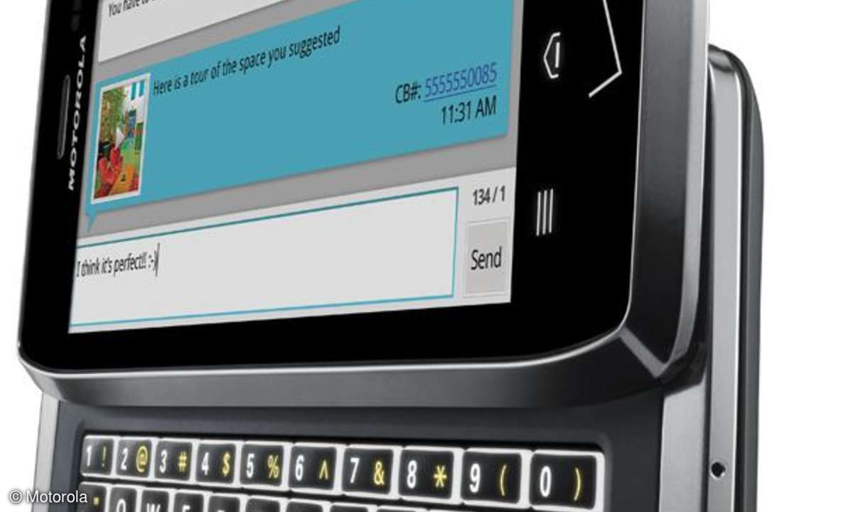 Dünnes Android-Smartphone mit Volltastatur vorgestellt