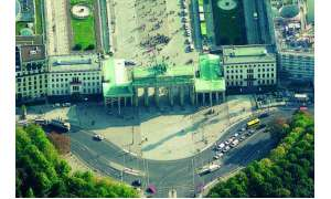 Schrägbild Brandenburger Tor Blom ASA