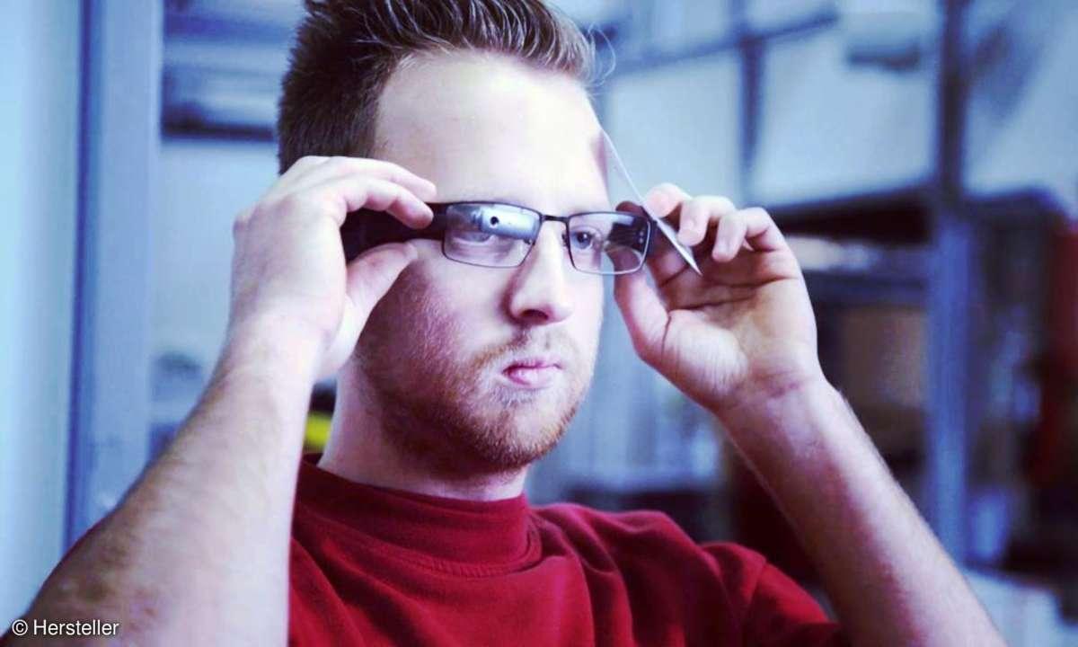 Lagerkraft mit Datenbrille