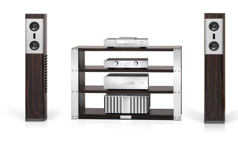 tolle neuheiten zeigte burmester auf der high end 2011. Black Bedroom Furniture Sets. Home Design Ideas