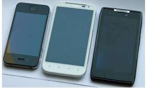 Motorola RAZR vs. Sensation XL
