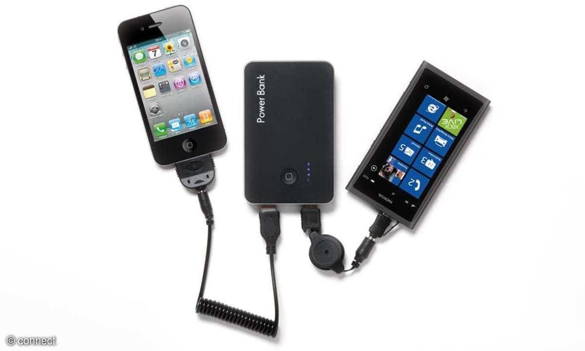 Smartphones und Tablets abseits von Steckdosen laden