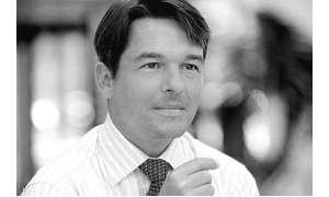 Arne Schälicke, Global LTE Product Marketing Manager