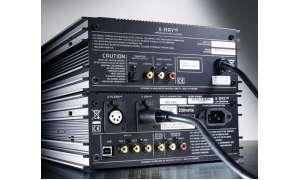 Musical Fidelity CD-Spieler X-Ray V 8 und D/A-Wandler X-DAC V 8 in der Rückansicht