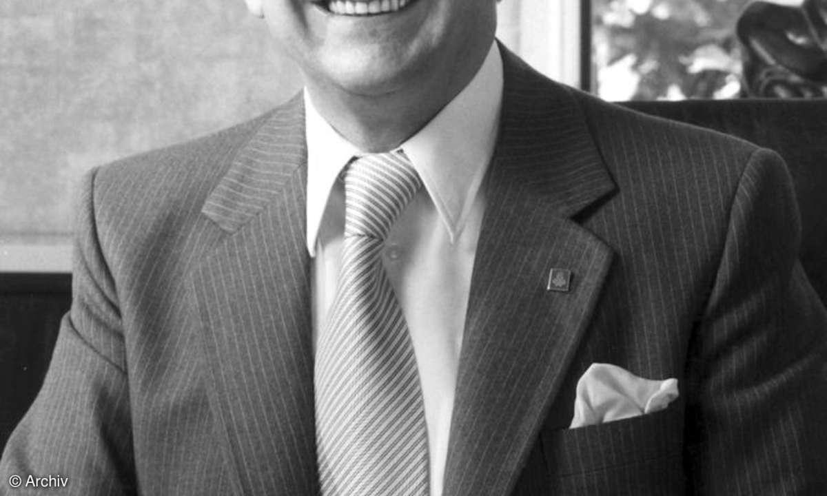 Raymond Cooke
