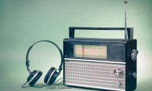 Radio und Kopfhörer