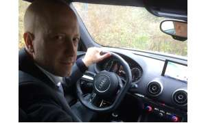 Stefan Schickedanz am Steuer des Audi S3
