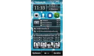 Der Startscreen des Nokia 500 lässt sich mit Widgets und Programmverknüpfungen auf die eigenen Bedürfnisse abstimmen.